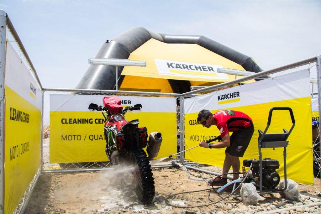 Dakar 2018_cistici stanice Kärcher_motocykly_m