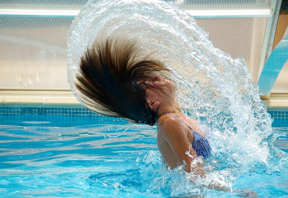 swimming-pool-830505_960_720