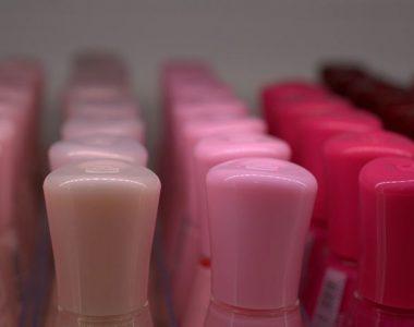 Zdobení na nehty – třpytky