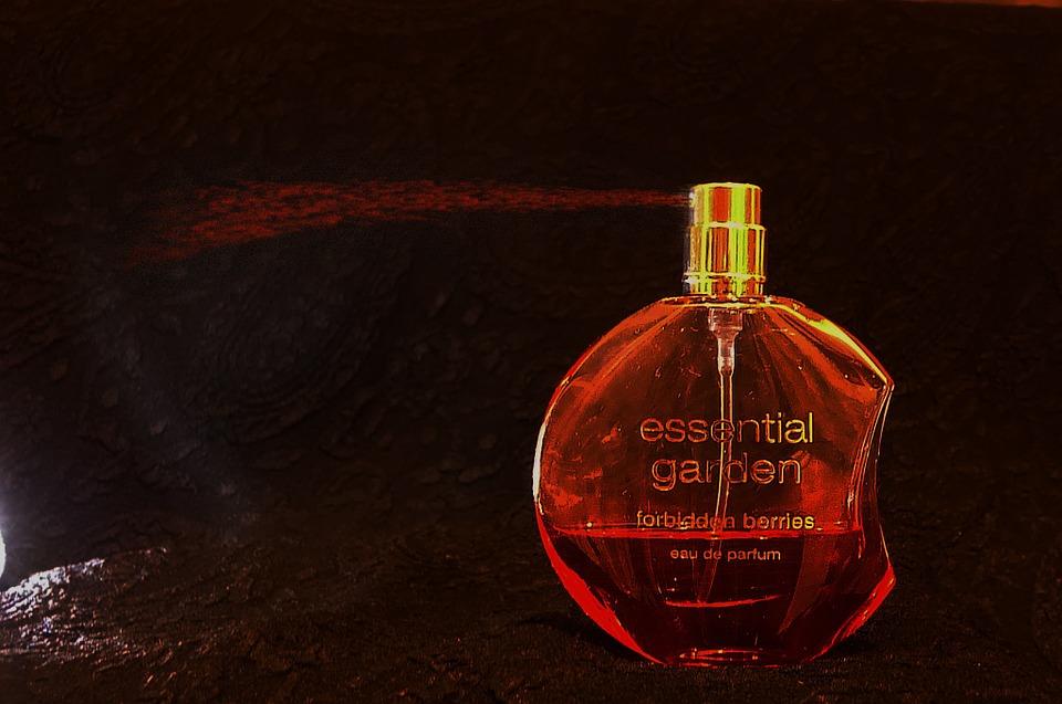 perfume-251868_960_720