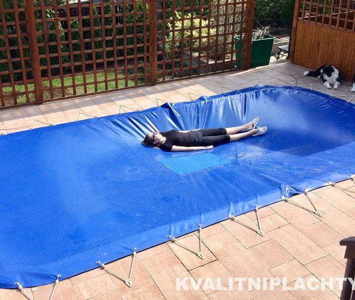 Kvalitní plachty na bazén