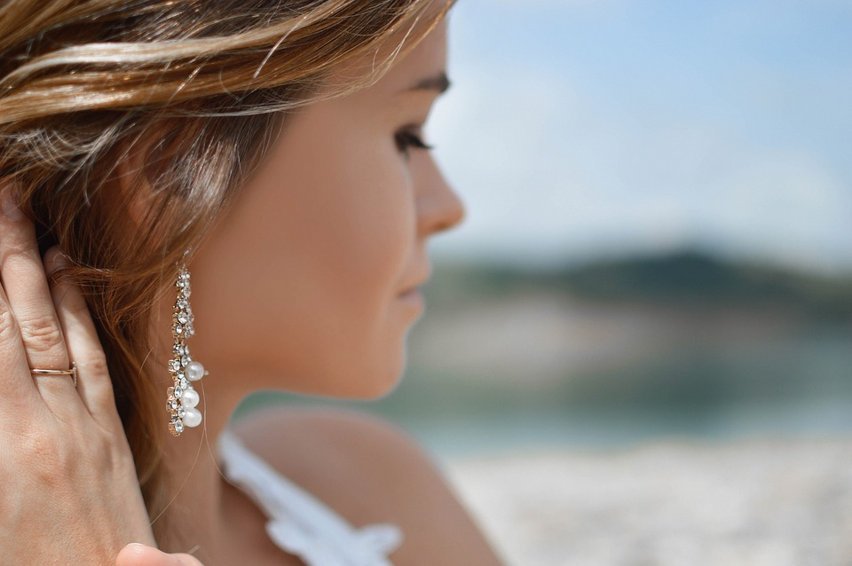 earrings-2593350_960_720
